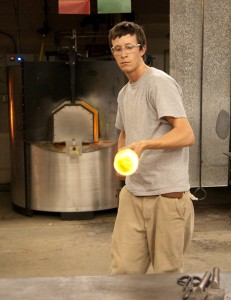 Elliot Todd working in the Penland glass studio